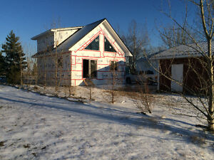 New Cabin with loft at Diefenbaker Lake with Double Garage