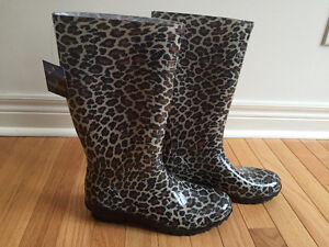 New Windriver Cheetah Women's Rain Boots - Size 9
