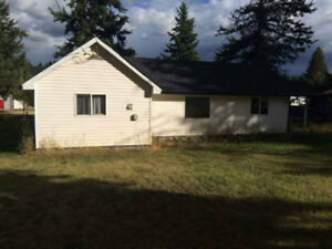 Cute Starter home on a Large country lot