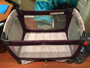 Graco Playpen with Cary bag in excellent condition!