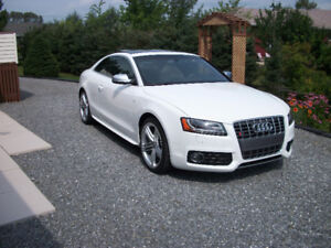 2011 Audi S5 Premium Package Coupe (2 door)