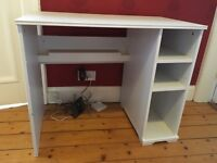 White IKEA desk for £15 - good condition. Pick up only pls!