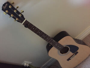 Squier Deluxe Acoustic Guitar with Accessories