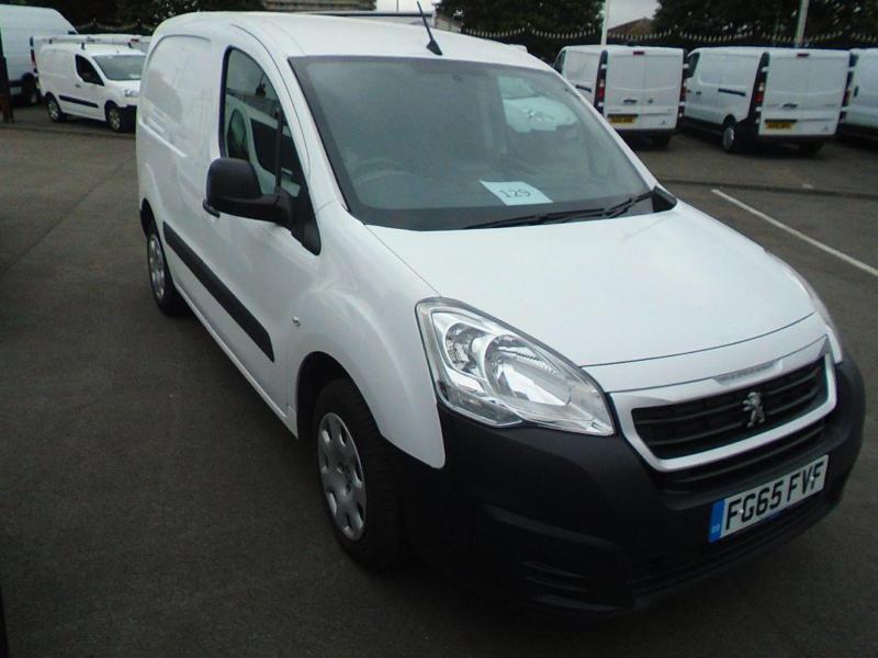 Peugeot Partner 850 1.6 Hdi 92 Professional Van. Sat Nav DIESEL MANUAL (2015)