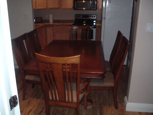 Solid Wood Dining Table and  6 Chairs Peterborough Peterborough Area image 2
