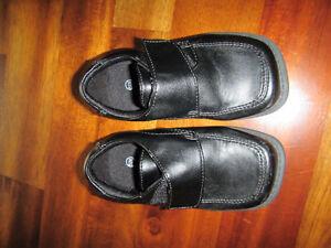 Boys dress shoes, size 6 1/2 Peterborough Peterborough Area image 1