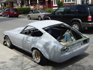 Datsun 280z parts clearning garage