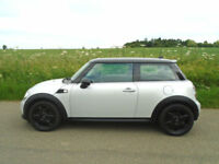 MINI HATCH 1.6 COOPER (SPORT CHILI) 3DR WHITE SILVER - GREAT SPEC - MUST SEE