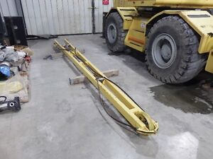 Used RT620S Grove Rough Terrain Crane Sarnia Sarnia Area image 3