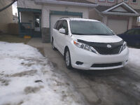 2014 Toyota Sienna LE AWD Minivan! Lease Option! Only 15000 kms!