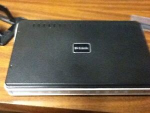 NEW PRICE* $15.00* D-LINK router model dir 615 NOW $15.