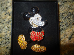 Mickey mouse brooch very rare