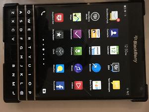 Blackberry 10 Passport