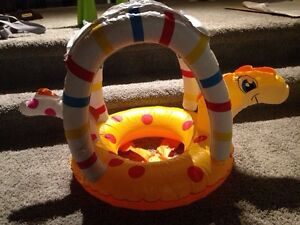 Baby float, excellent condition