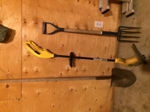 Used Garden Tools/Supplies & Whipper Snipper