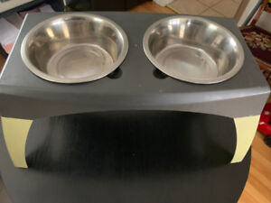 ELEVATED DOG DISHES (2 DISHES)  Have 2 sets of these $15 each