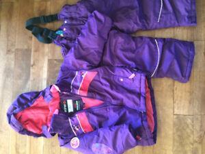 Size 4t snow suit