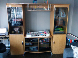 Tv Wall unit approx 8'wide x 6' high x 2' it is 4 pieces