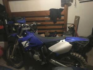 Dirt Bike - 2004 Yamaha YZ 250, 2 stroke