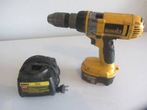 Dewalt Cordless Drill Driver with Battery and Charger