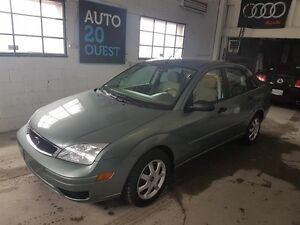 Ford Focus 4dr Sdn ZX4 2005