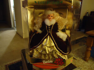 1996  Happy Holiday Barbie  COLLECTABLE MINT CONDITION London Ontario image 4