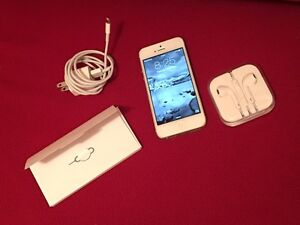 White/Silver iPhone 5 16GB