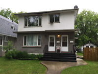Great location upper 3 bed room Duplex