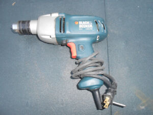 Black and Decker 5.5 Amp DR600 Reversible Drill