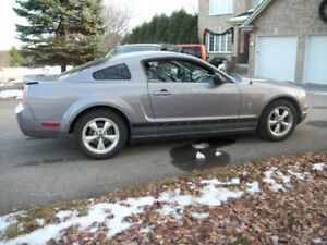2007 FORD MUSTANG *PONY PACKAGE *EQUIPE *LOADED*5 VITESSE *5 SPD