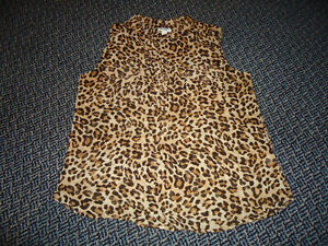 Ladies Size Large Cheetah Print Sleeveless Style Dress Shirt