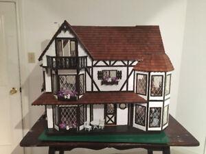 Vintage Doll House, Fully Furnished