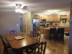 Fully Furnished 3 bedroom Townhouse - Whistlebend Whitehorse