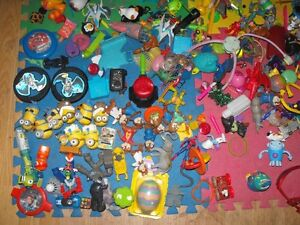 Box full of small toys over 30 pounds in box Cambridge Kitchener Area image 5
