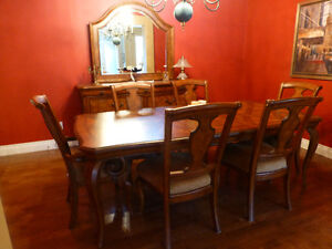 Dining room table with 6 chairs & buffet with mirror