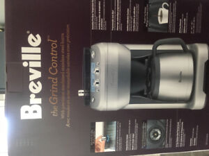 Brevillea coffee maker