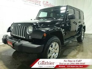 2016 Jeep Wrangler Unlimited Sahara 4x4 w/Leather *LOCAL*  - Low