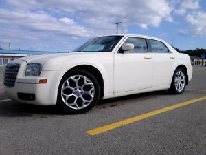 2008 chrysler 300 5000$$ 173 kms