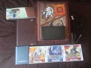 New 3DS XL Pokemon Bundle 4 Games and Offficial Collectors Guide