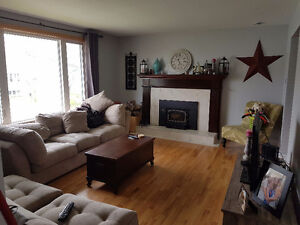Cozy room in awesome house, great roommates and location!