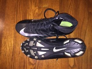 Nike Football Cleats - Mens Size 10
