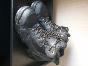 TERRA WORK CONSTRUCTION THINSULATE BOOTS SIZE 13