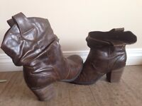 Brown Cow Girl Boots | Size 8
