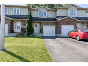 ARNPRIOR 3 BEDROOM TOWNHOUSE - GREAT LOCATION