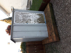 Free garden shed needs painting ...