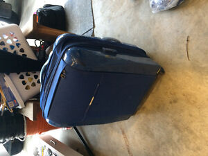 Fs: samsonite suitcase / luggage