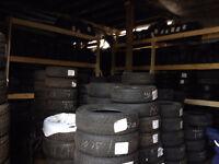 2 pneus d'été 285/45/22 bridgs   160$ 205