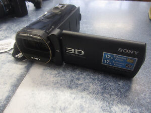 Camera Full HD 3d de marque Sony, model HDR-TD30V, en bon état!!