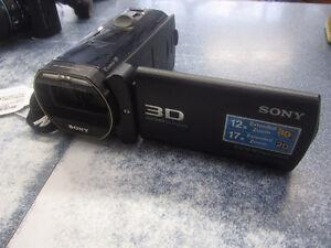 Camera Full HD 3d de marque Sony, model HDR-TD30V, en bon état!!