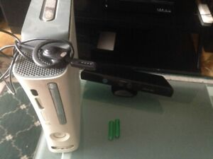 Xbox 360 console, jeux, Kinect, manettes, micro-casques. Tv hdmi